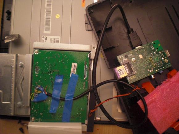 Turn A Raspberrry Pi Into A Monitor For A Cheap Smart TV thetechhacker