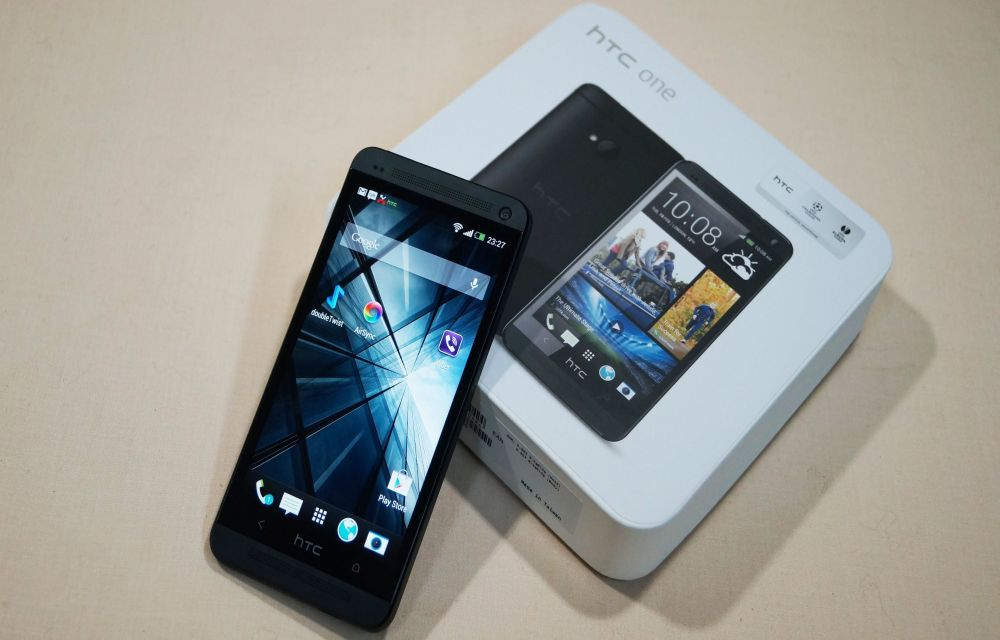 How To Install HTC One M7 Android 4.4.4 CM11 M8 KitKat Custom Firmware