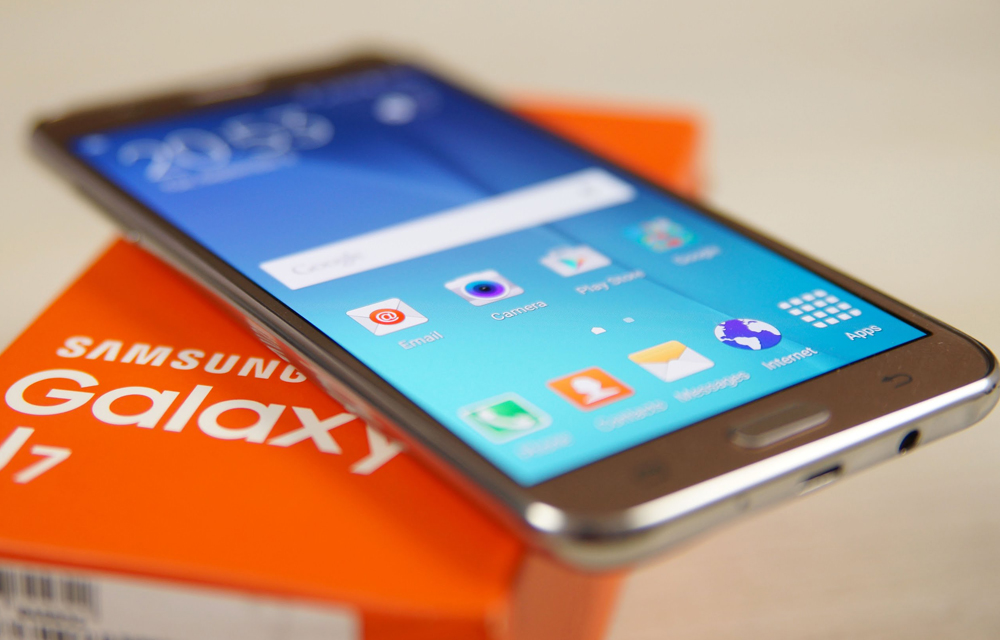 how-to-take-screenshots-in-samsung-galaxy-j7-smartphone