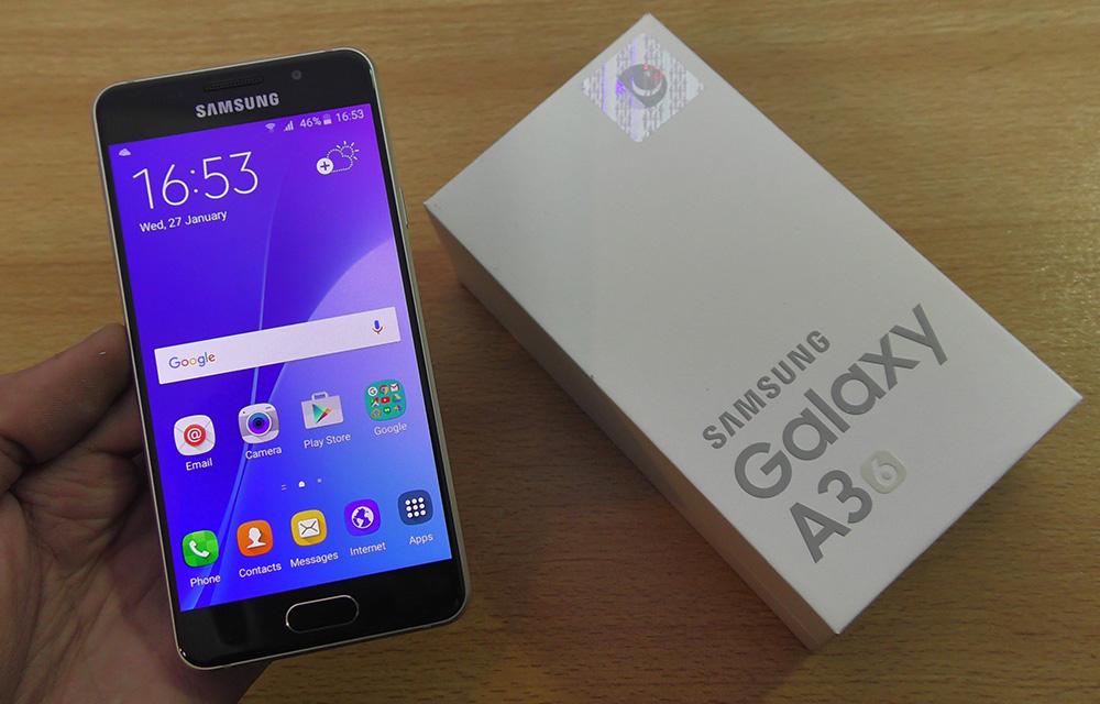 Samsung Galaxy A3 2017 Display