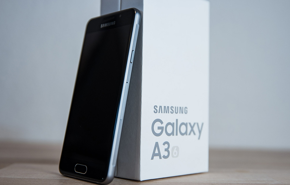 samsung galaxy a3 2017 review. Black Bedroom Furniture Sets. Home Design Ideas