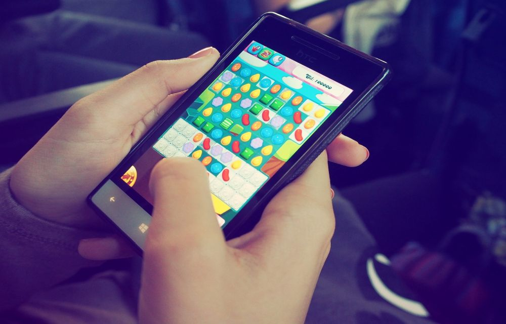 The 10 Gadgets to Add to Your Smartphone to Improve Your Gaming Experience